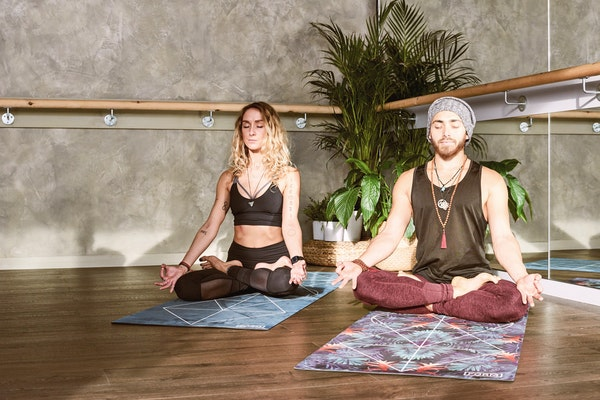 yoga acasa